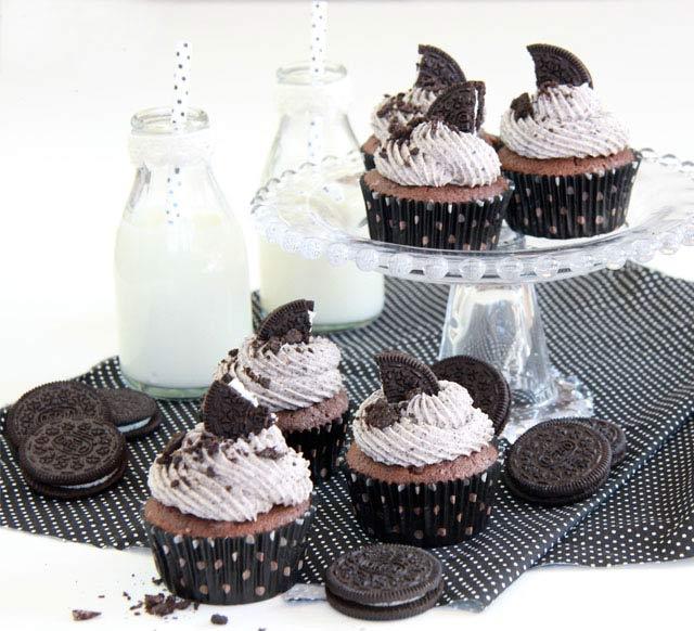 Cupcakes de oreo (nueva receta más esponjosa y con más OREO)