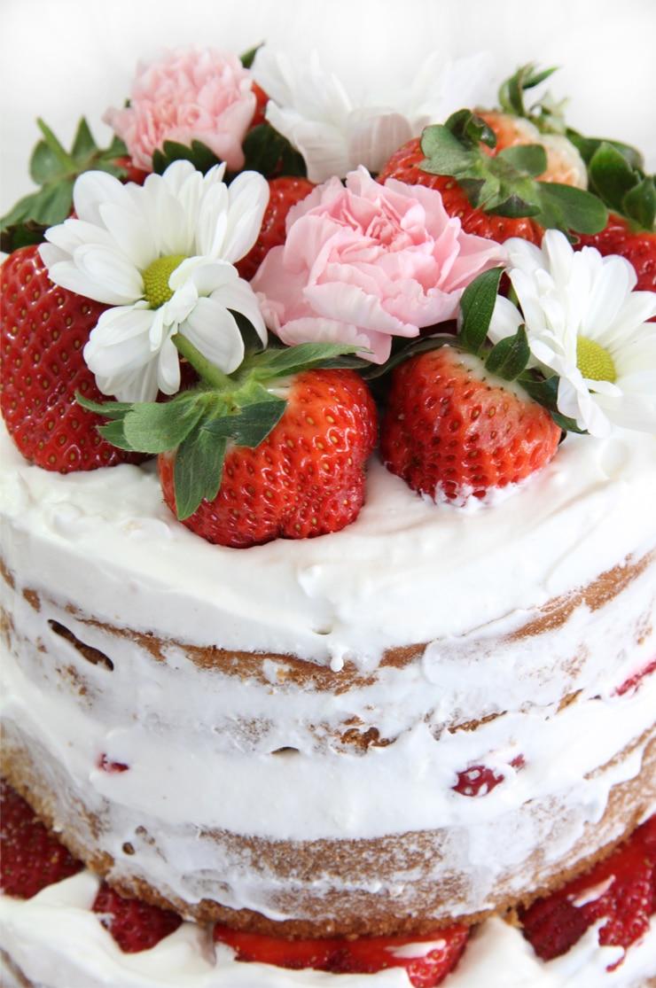 Naked Cake de fresas con nata