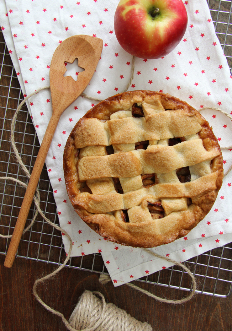 Clásica tarta de manzana holandesa o Appeltaart