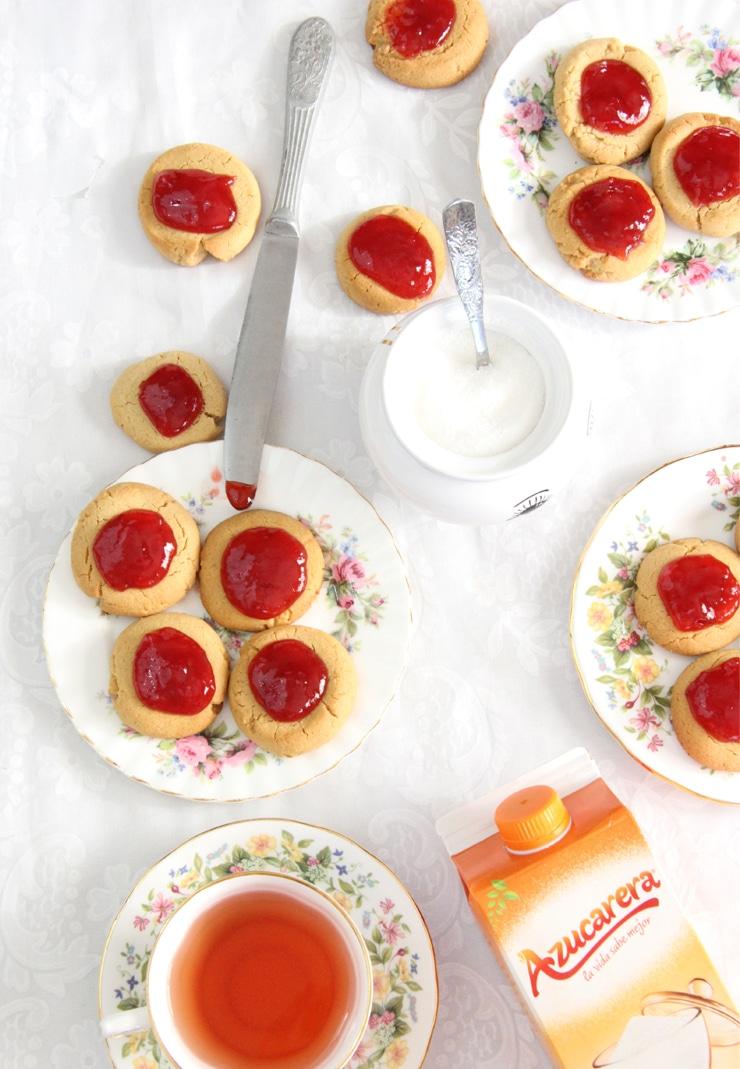 Galletas de crema de cacahuete y mermelada